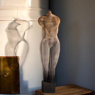 Ylva Jonsson tar plats i galleriet